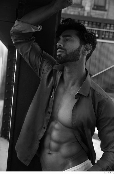 Your Hunk of the Day: Ali Bukhari