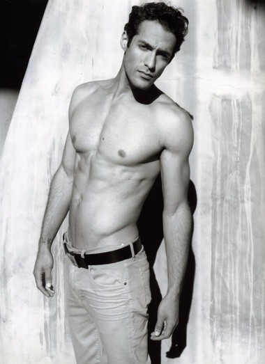 Your Hunk of the Day: Isaac Cohen