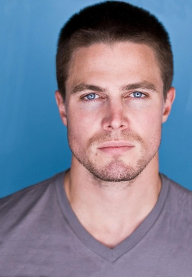 Your Hunk of the Day: Stephen Amell
